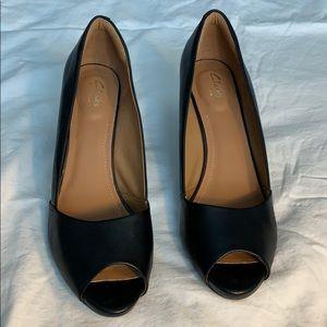 Clarks black leather peep toe 3 inch heels size 12